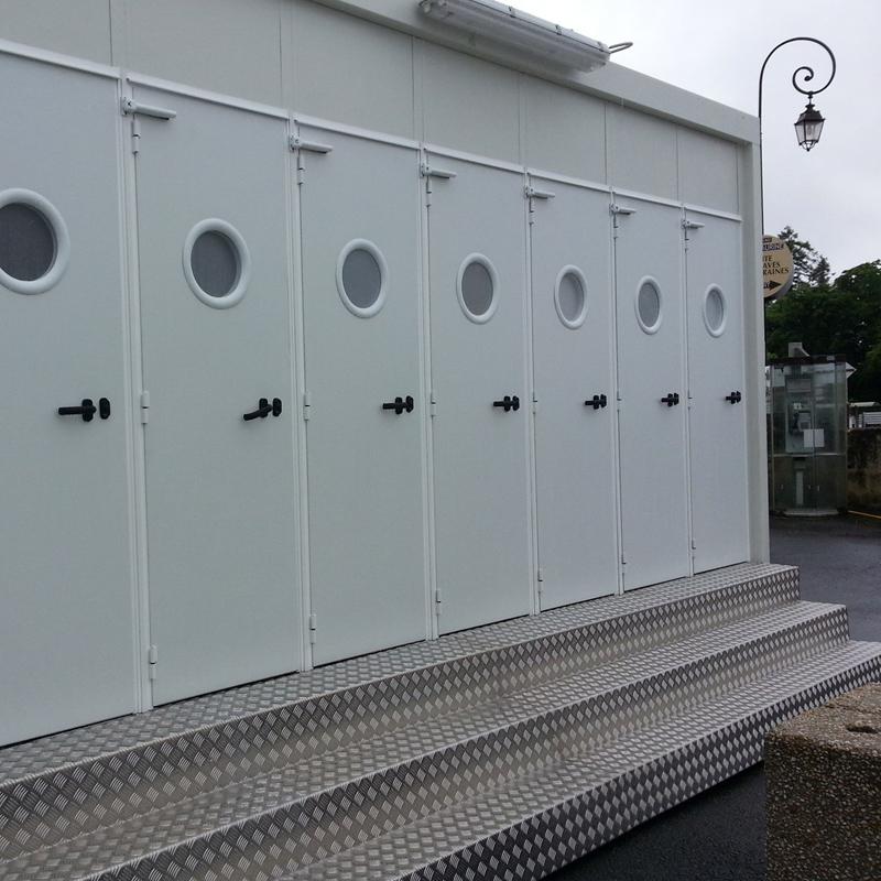 Location De Caravanes VIP, Remorques WC En Aquitaine